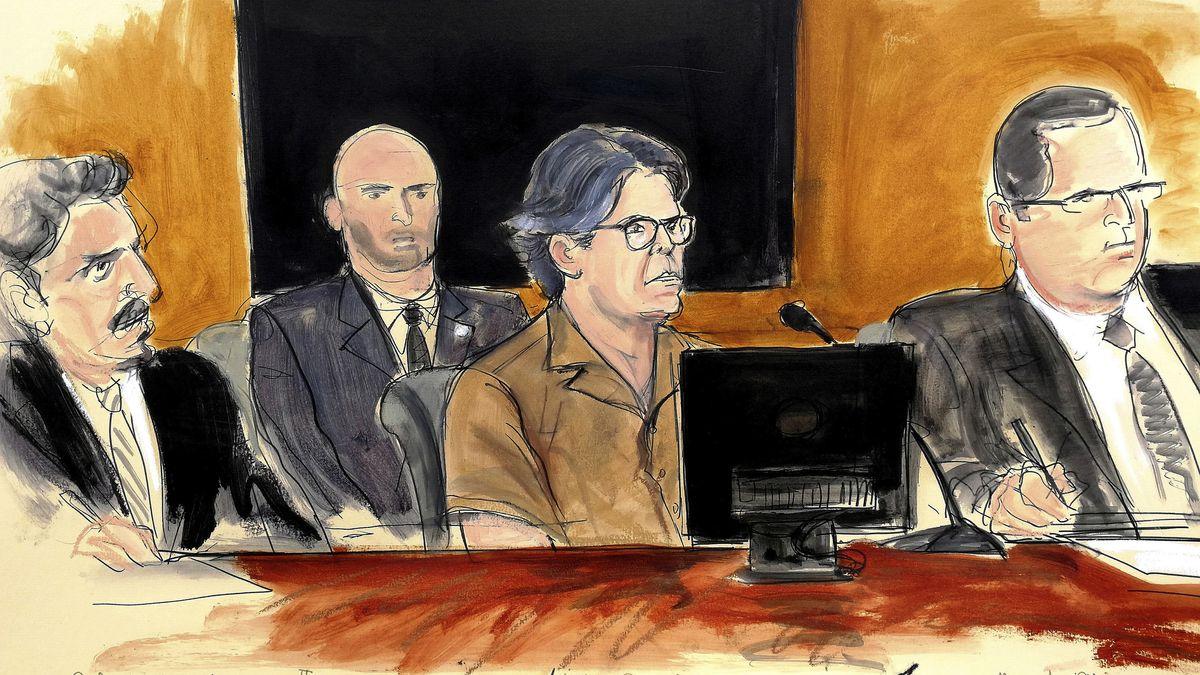 Diese Zeichnung aus dem Gerichtssaal zeigt den Verurteilten Keith Rainere (M) mit seinen Anwälten während der Verhandlung.
