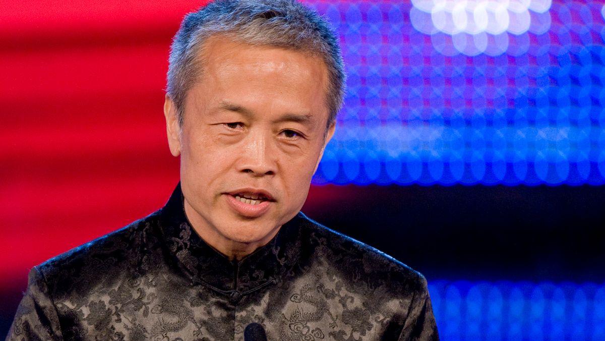 Preisträger Shi Ming (Kultur- und Bildungsprogramme: Bester Autor und Produzent) bei der Verleihung des  Bayerischen Fernsehpreises 2008.
