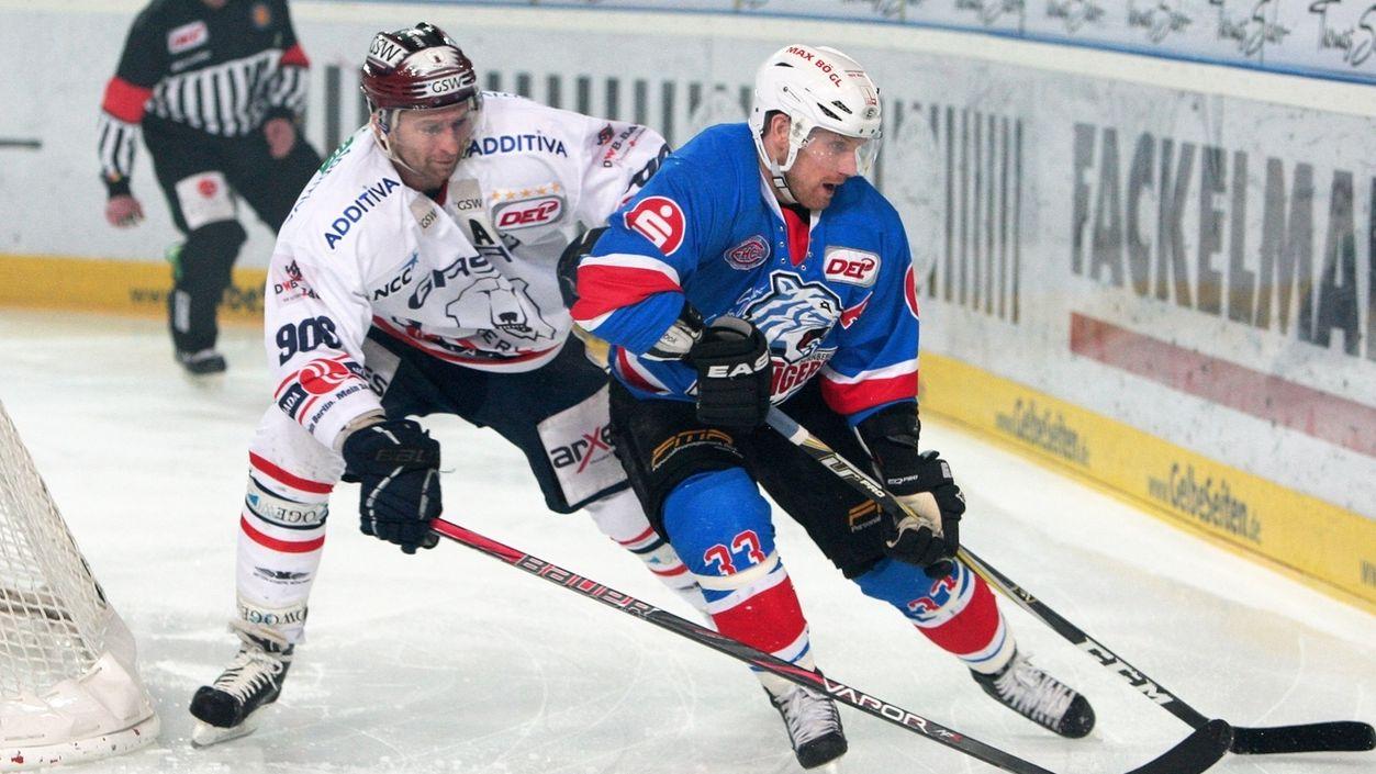 Spielszene Nürnberg Ice Tigers - Eisbären Berlin