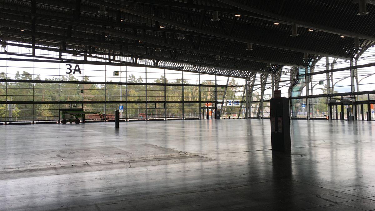 Eine leere Messe-Halle in Nürnberg