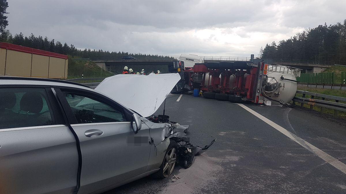 An dem Unfall war auch ein Pkw beteiligt.