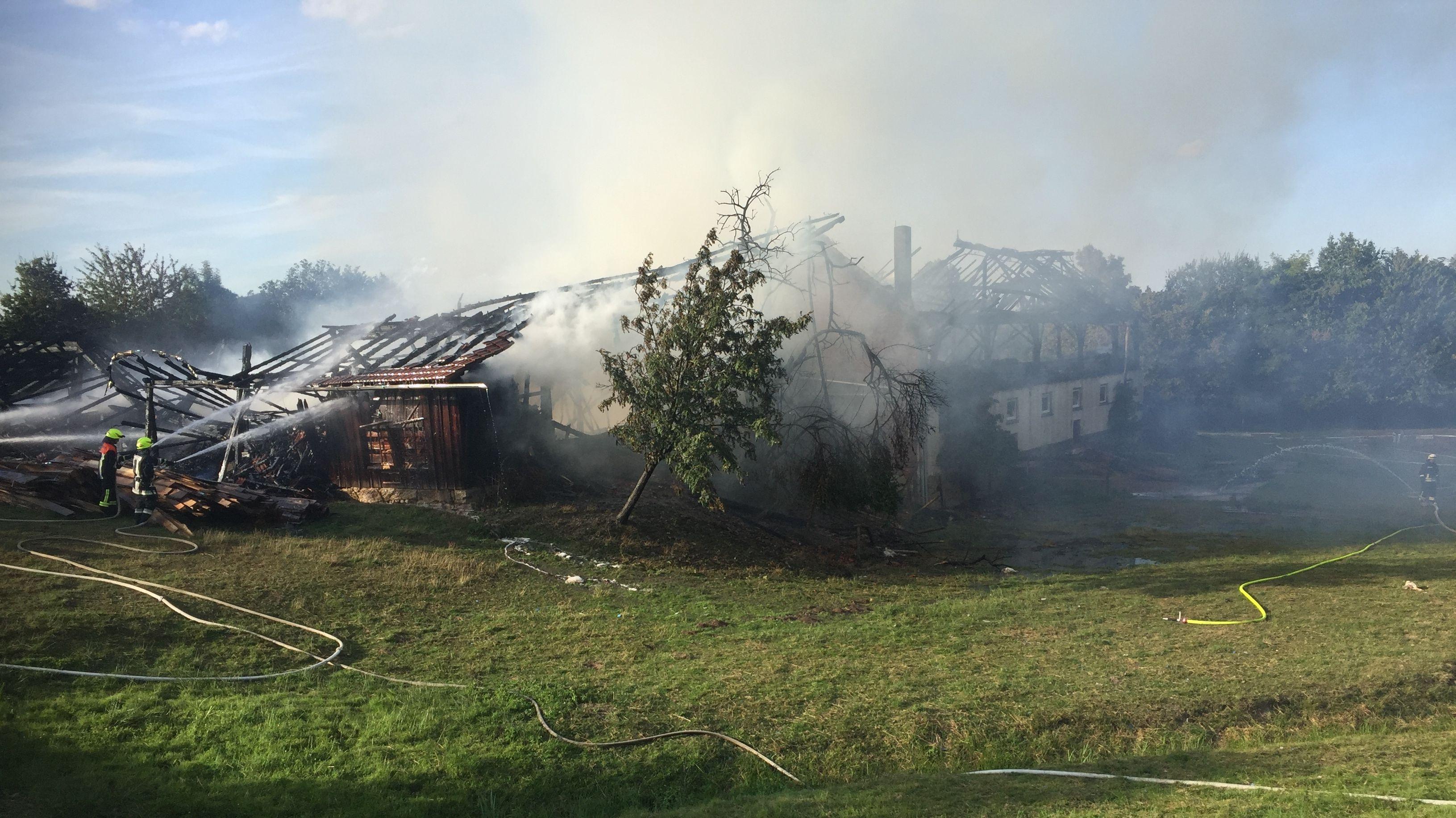 Bauernhof in Eschlbach im Landkreis Passau steht in Flammen