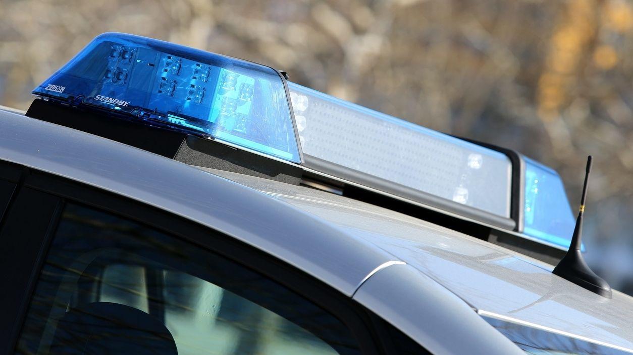 Symbolbild: Einsatzfahrzeug der Polizei