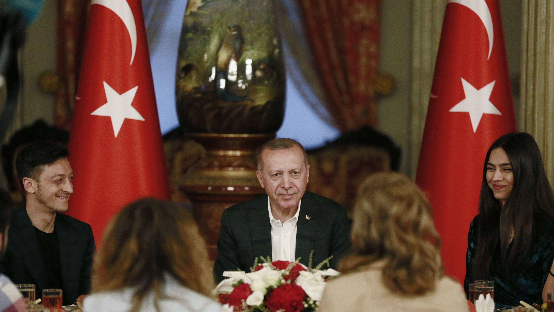 Özil, Erdogan und Özils Verlobte
