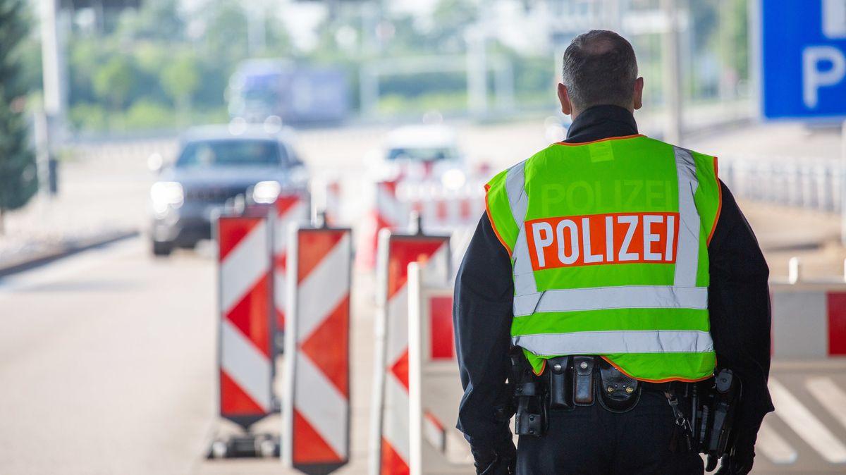 Wer aus weiten Teilen des europäischen Auslands nach Bayern einreist, muss künftig nicht mehr zwei Wochen in häusliche Quarantäne.
