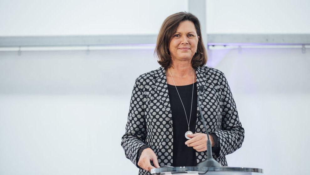 ... und der Verwaltungsratsvorsitzenden Ilse Aigner ...