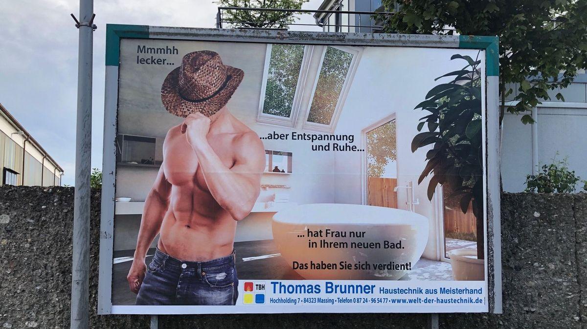 Werbeplakat eines niederbayerischen Heizungsbauers in Altötting.