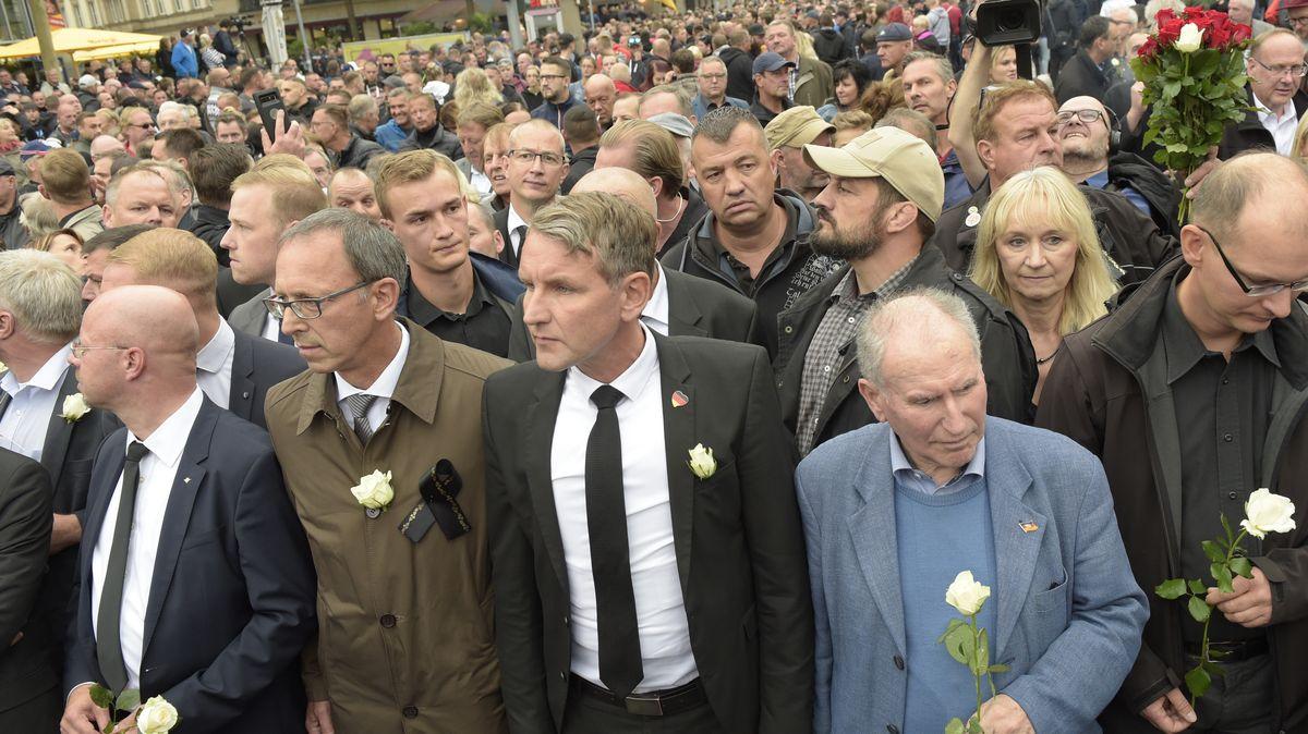 Björn Höcke (Mitte) beim Protestmarsch der AfD am 1. September 2018 in Chemnitz.