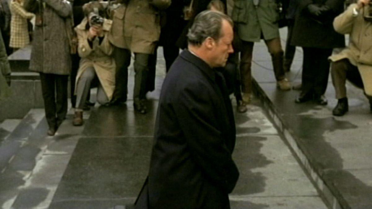 Der Kniefall von Willy Brandt vor dem Mahnmal für die Opfer im jüdischen Ghetto in Warschau am 7. Dezember vor 50 Jahren.