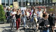 Fridays for Future - Demo in Würzburg | Bild:BR / Anke Gundelach