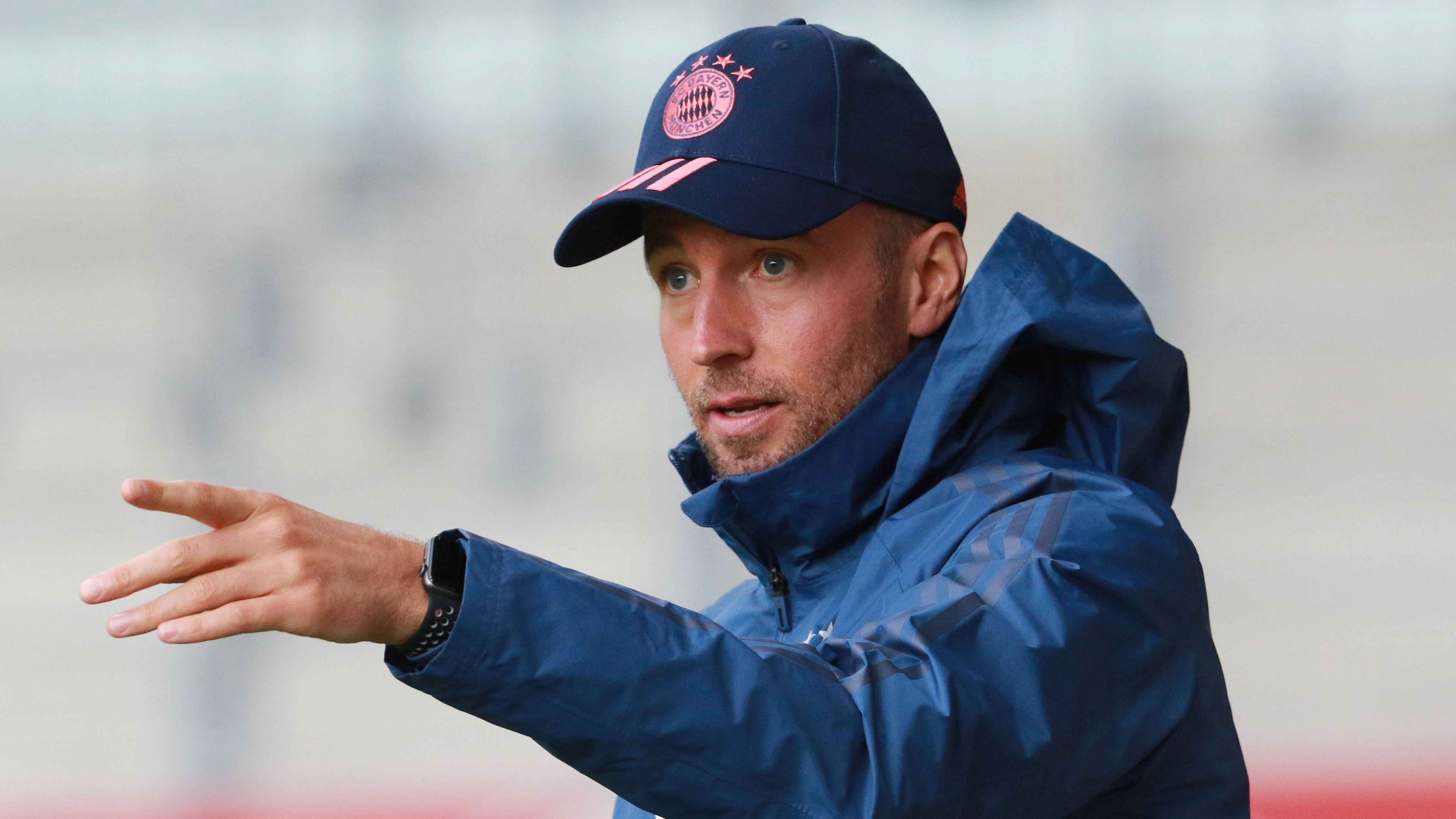 Sebastian Hoeneß, Trainer des FC Bayern München II, beim einem Vorbereitungsspiel