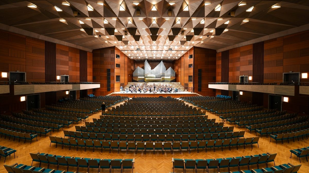 Großer Saal der Meistersingerhalle Nürnberg.