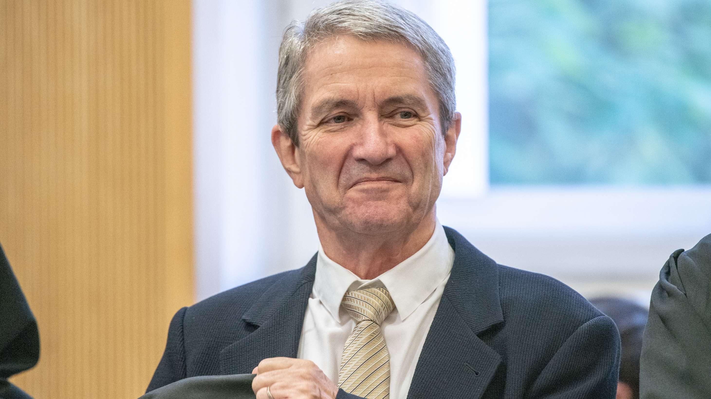 Volker Tretzel im Verhandlungssaal des Landgerichts Regensburg
