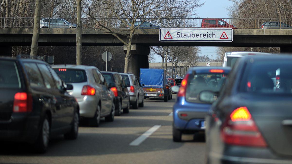 Täglicher Stau auf dem Nürnberger Frankenschnellweg