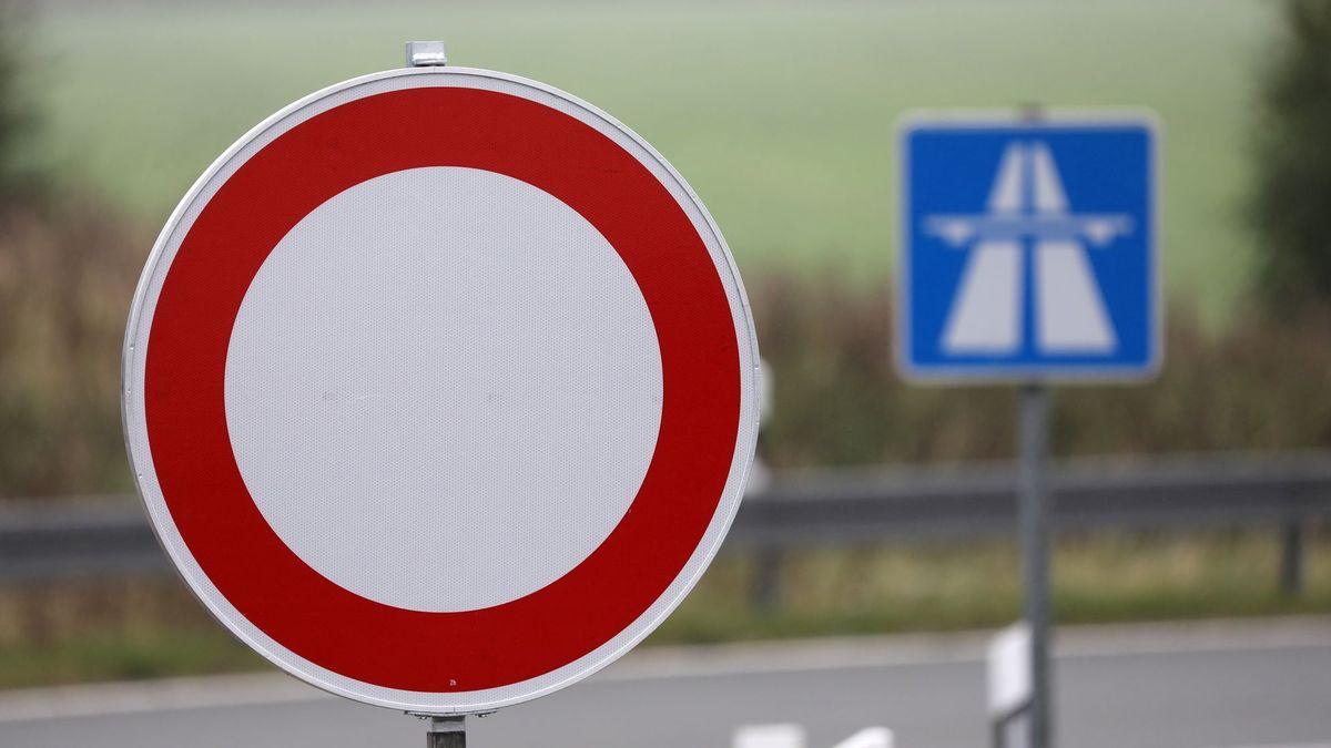 Autobahn gesperrt (Symbolbild)