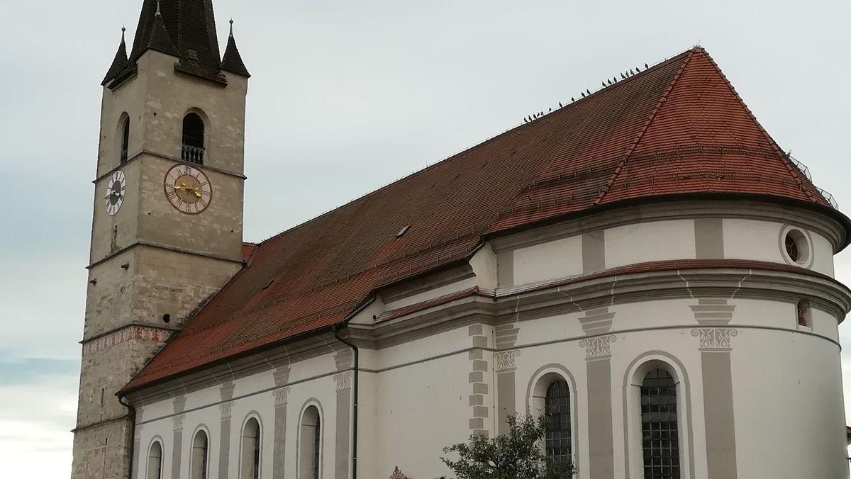 Halfing, Kirche