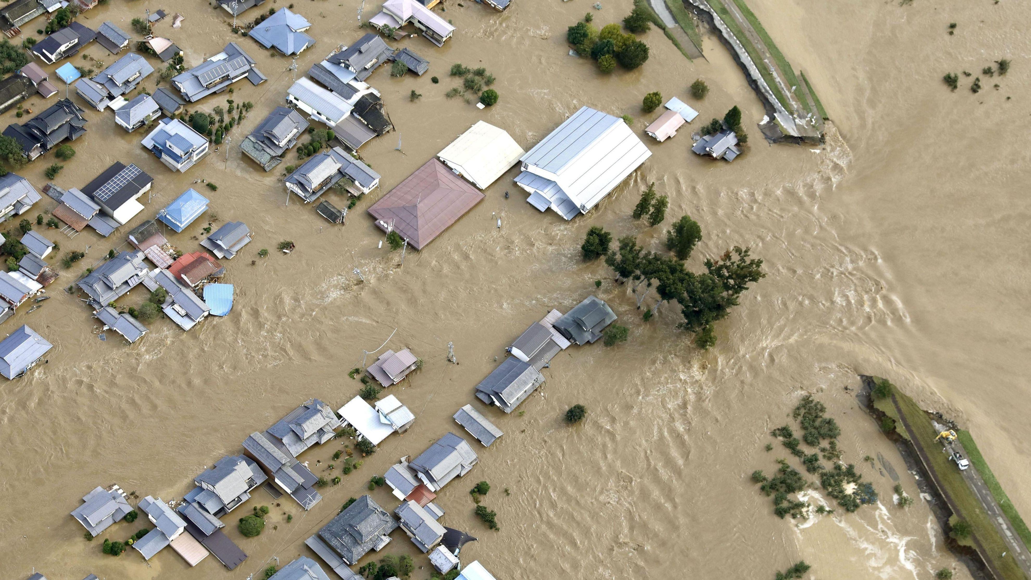 """Überschwemmungen in Japan durch Taifun """"Hagibis"""""""