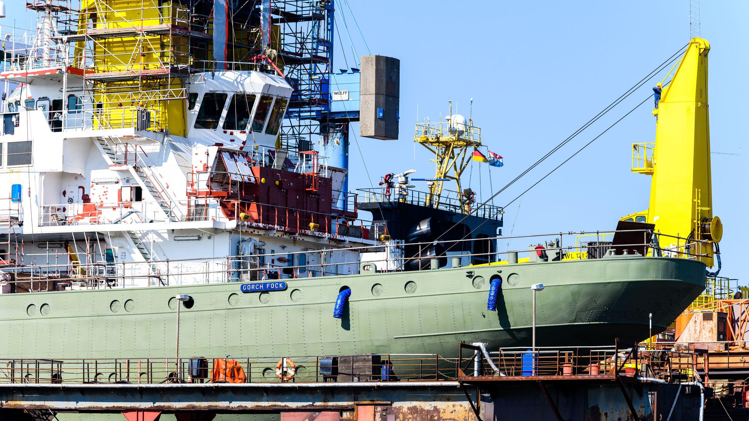 """Marineschulschiff """"Gorch Fock"""" in der Bredo-Werft"""