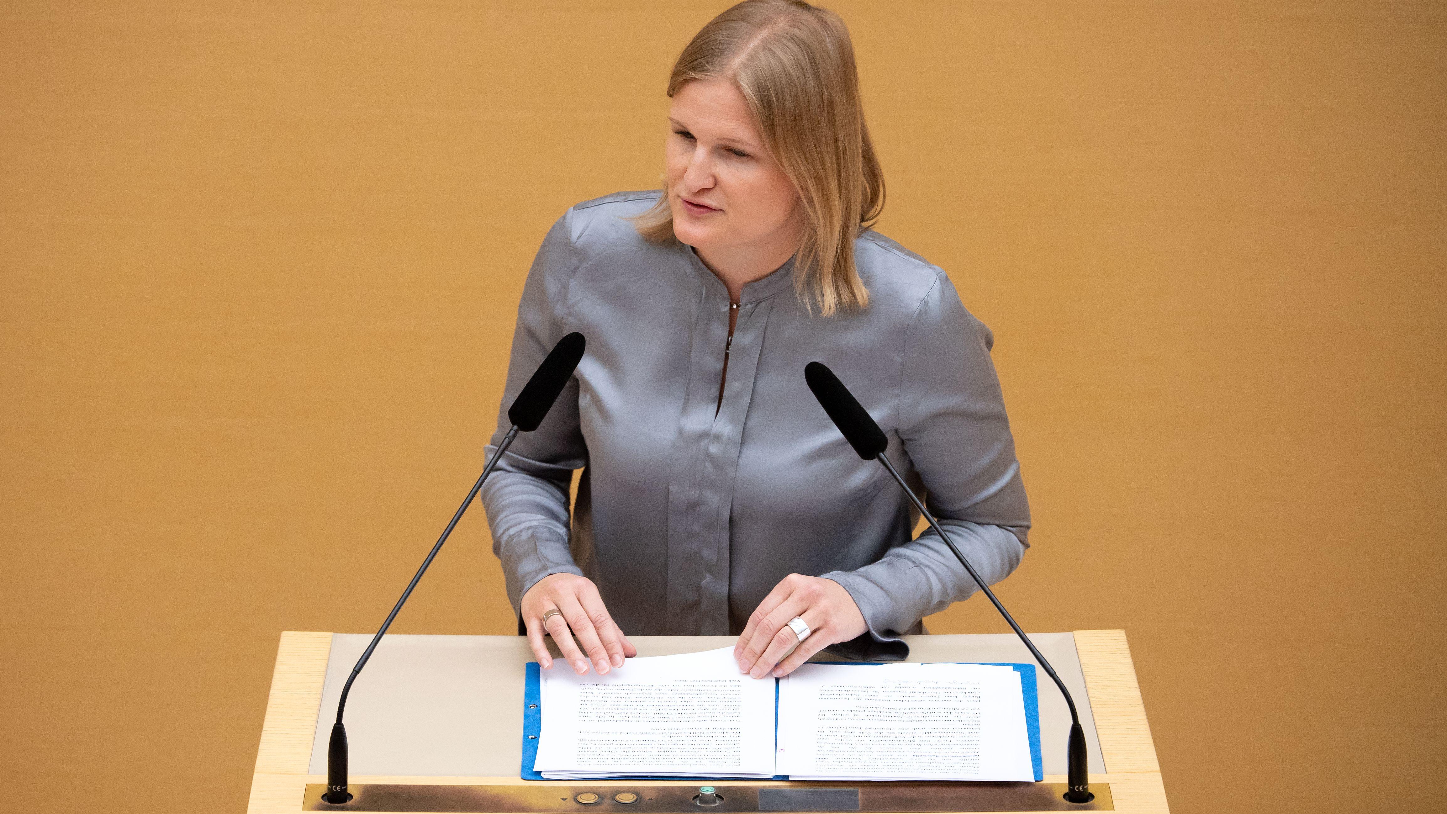 AfD-Fraktionschefin Katrin Ebner-Steiner bei einer Rede im Bayerischen Landtag am 15. Mai 2019.