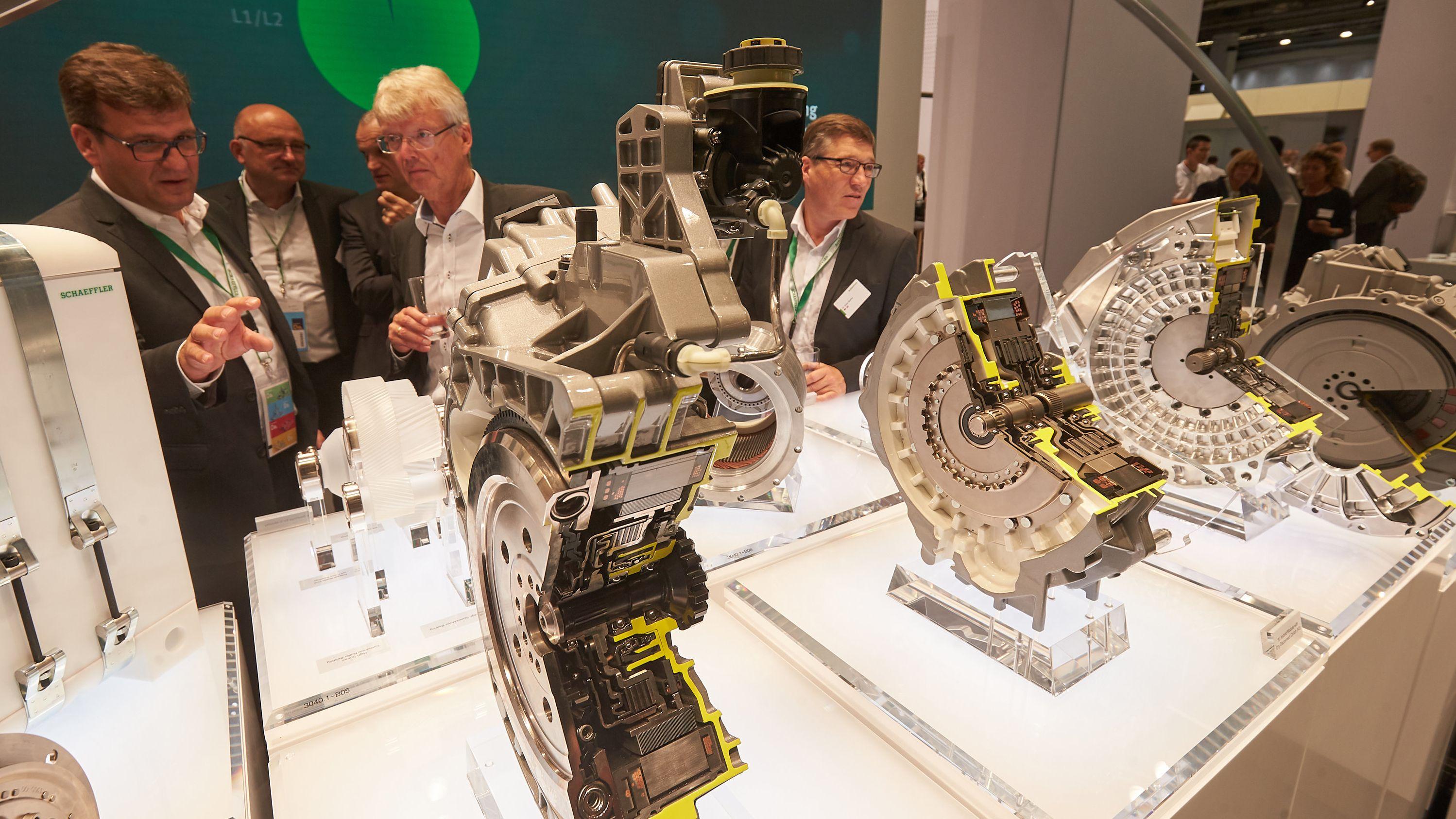 Das Unternehmen Schaeffler zeigt auf der IAA Antriebskomponenten