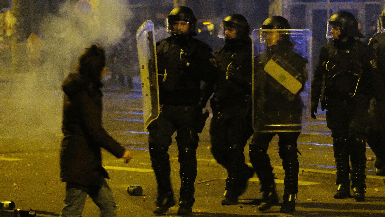 Polizisten im Leipziger Stadtteil Connewitz in der Neujahrsnacht