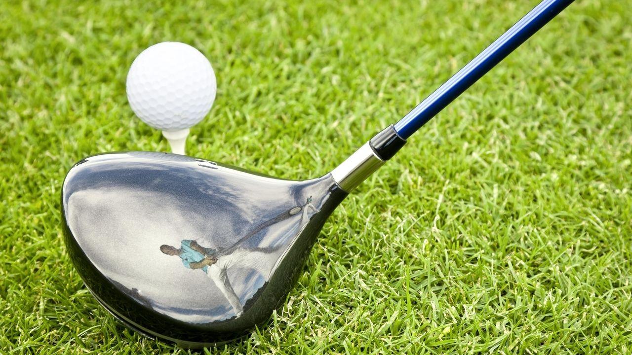 Driver und Golfball