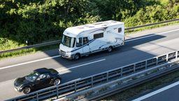 Die Fahrt in den Urlaub ist während der Pfingstferien in Bayern wieder möglich. | Bild:picture alliance