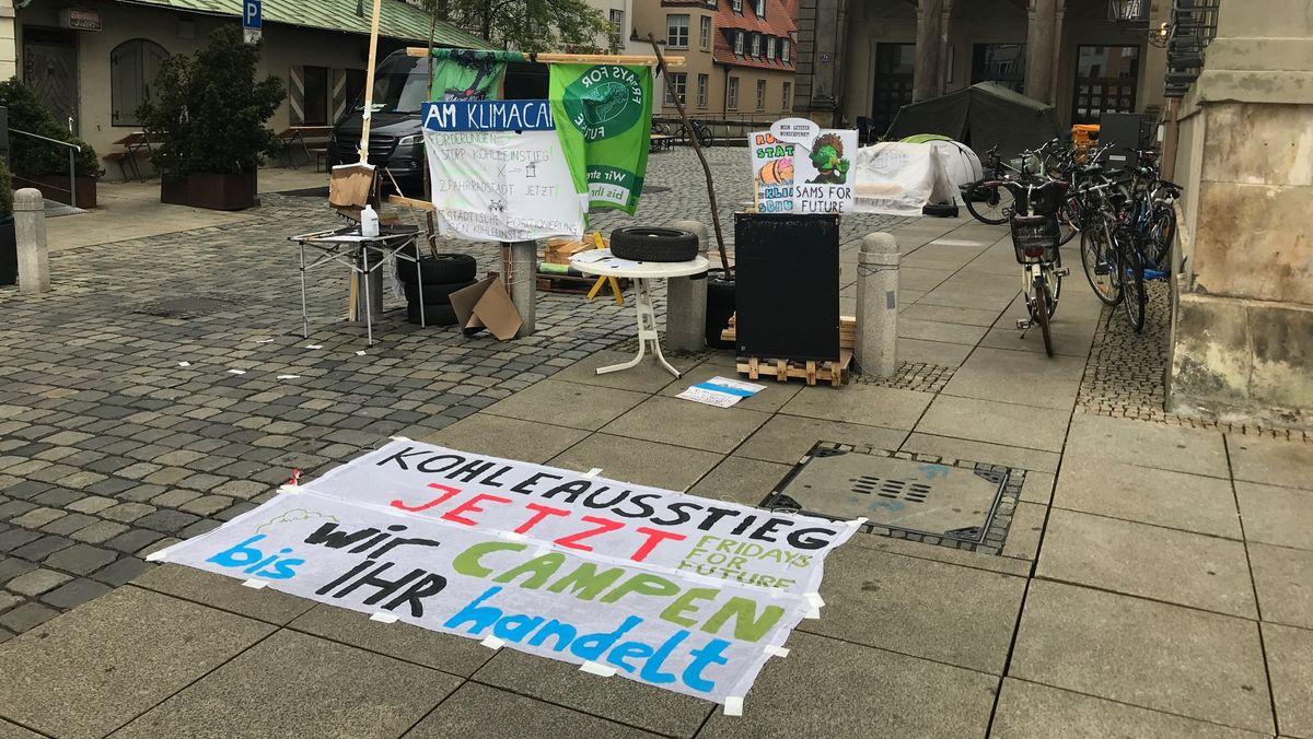 Das Camp der Klimaschützer am Augsburger Rathausplatz