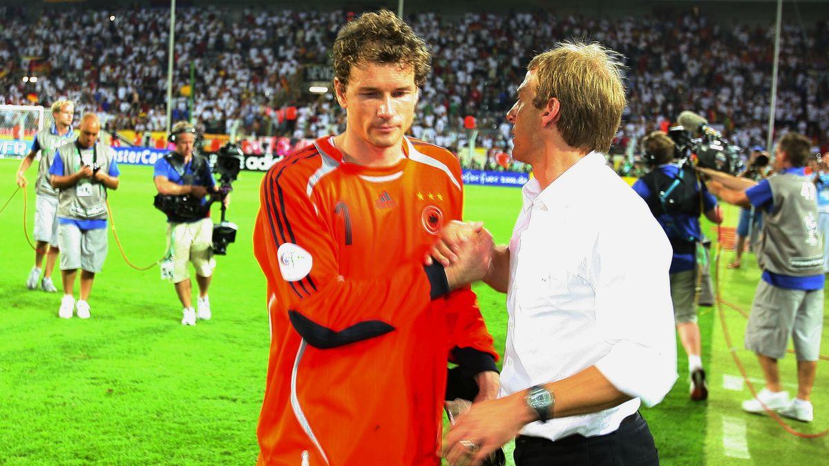 Einst Torwart und Nationaltrainer: Jens Lehmann (l.) und Jürgen Klinsmann bei der WM 2006 in Deutschland.