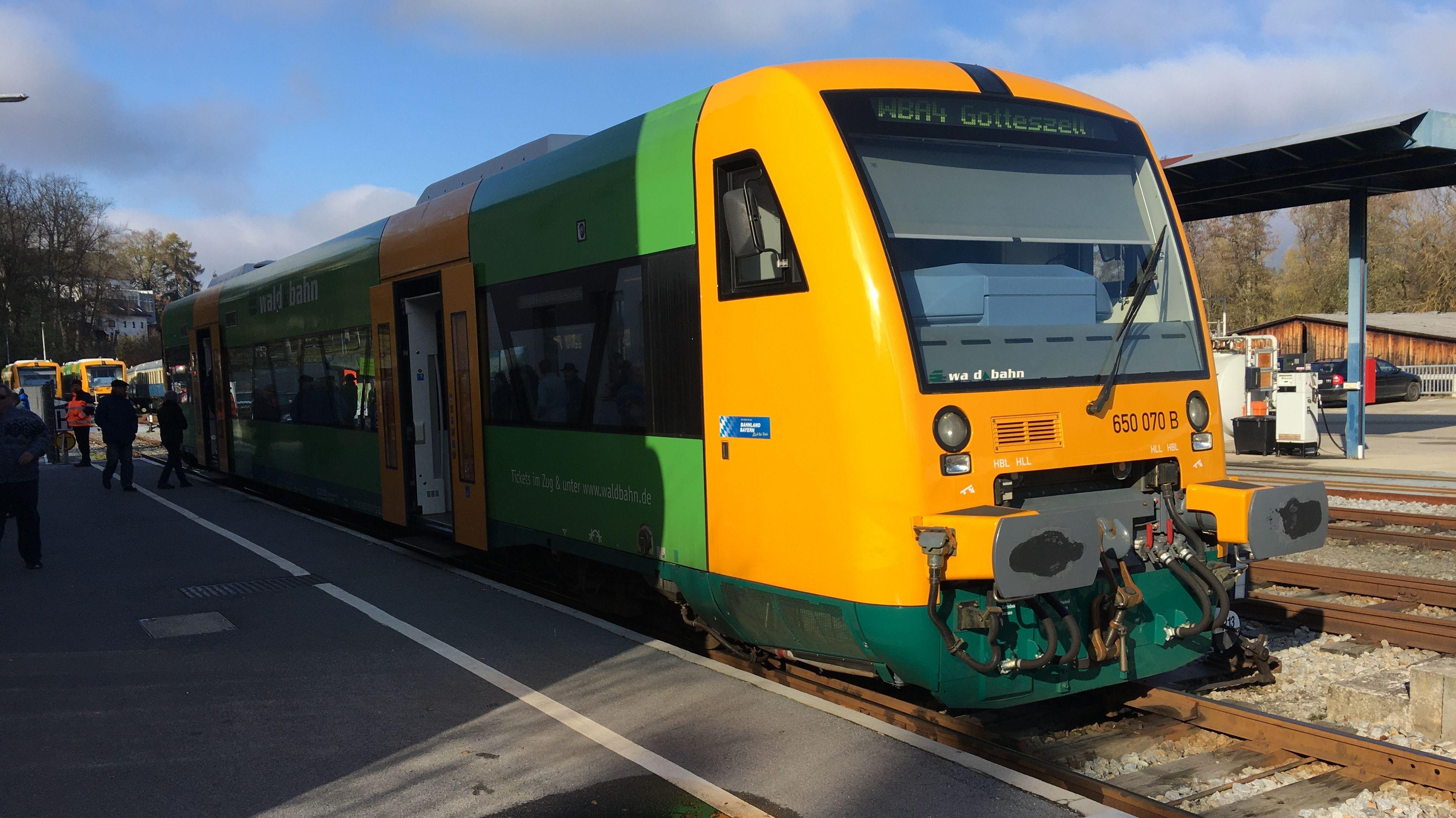 Ziel: Zeigen, wie wichtig die Bahnlinie für die Region ist, auch wenn sie das offiziell geforderte 1000er-Kriterium noch nicht erreicht.