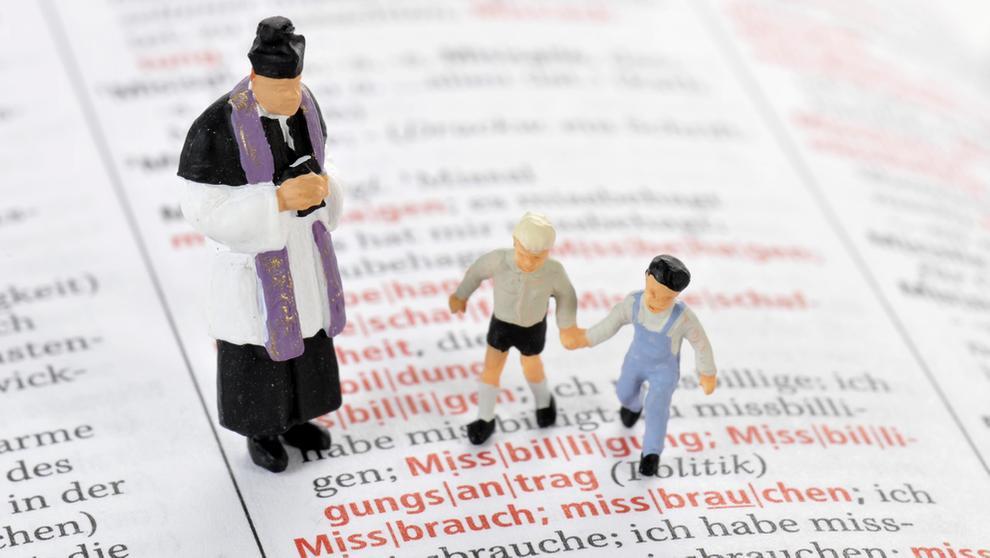 Symbolbild sexueller Missbrauch von Kindern | Bild:picture alliance/imageBROKER