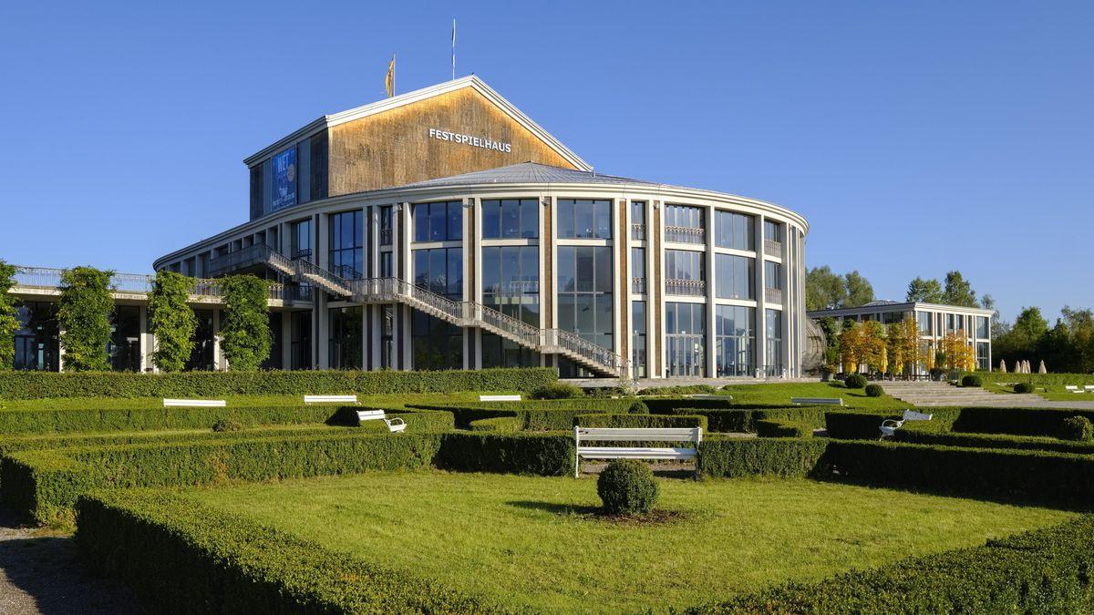 Das Festspielhaus am Forggensee in Füssen