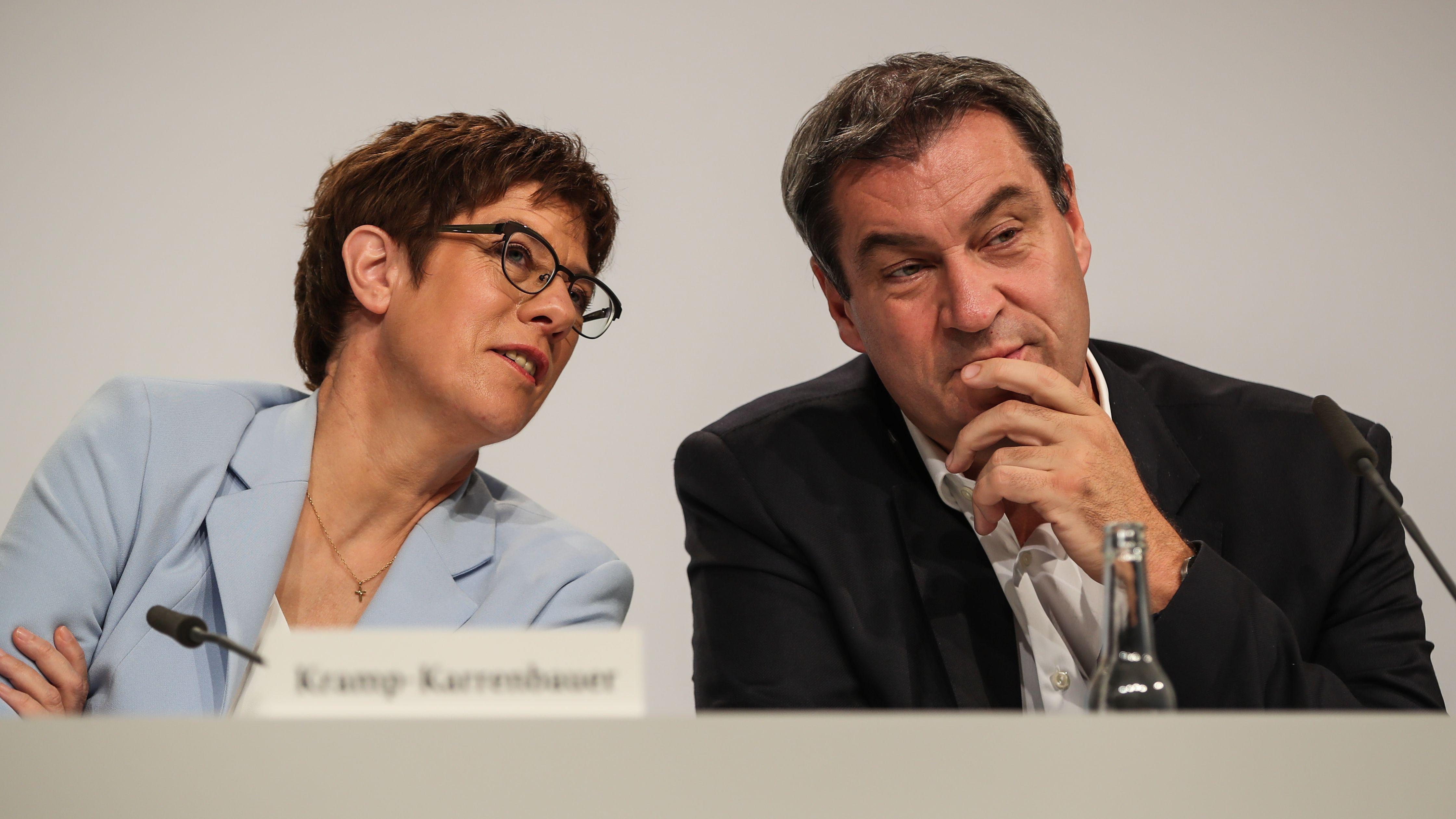 CDU-Chefin Annegret Kramp-Karrenbauer (l.) und CSU-Chef Markus Söder (r.) bei einer Pressekonferenz am 20. September 2019 in Berlin