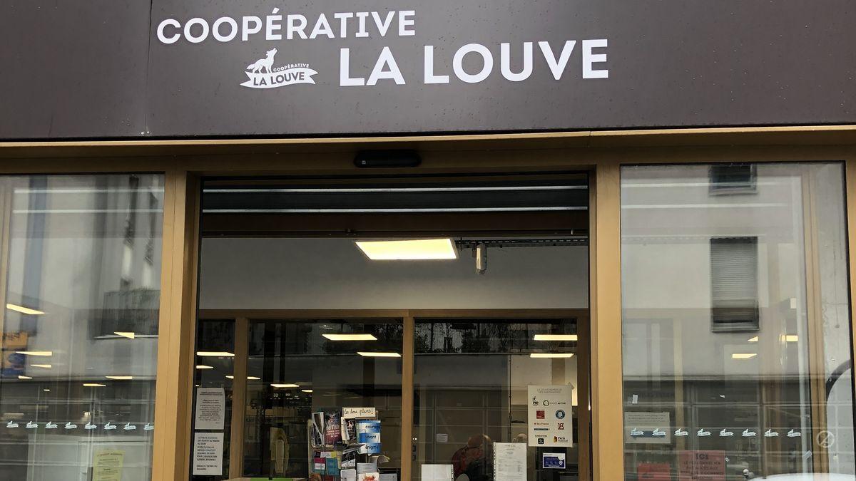 "Der Eingang des Kooperativ-Supermarkts ""La Louve"" in Paris"