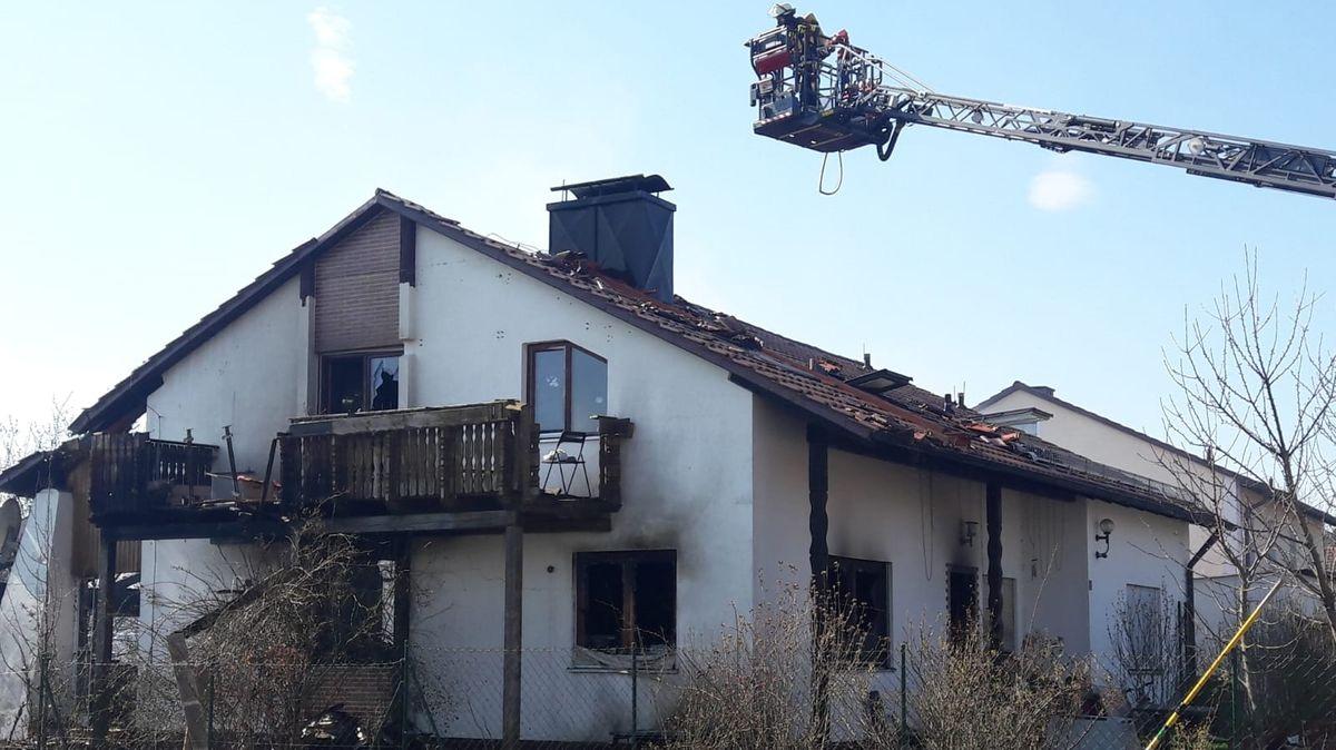 Das ausgebrannte Einfamilienhaus in der Gemeinde Bodenkirchen