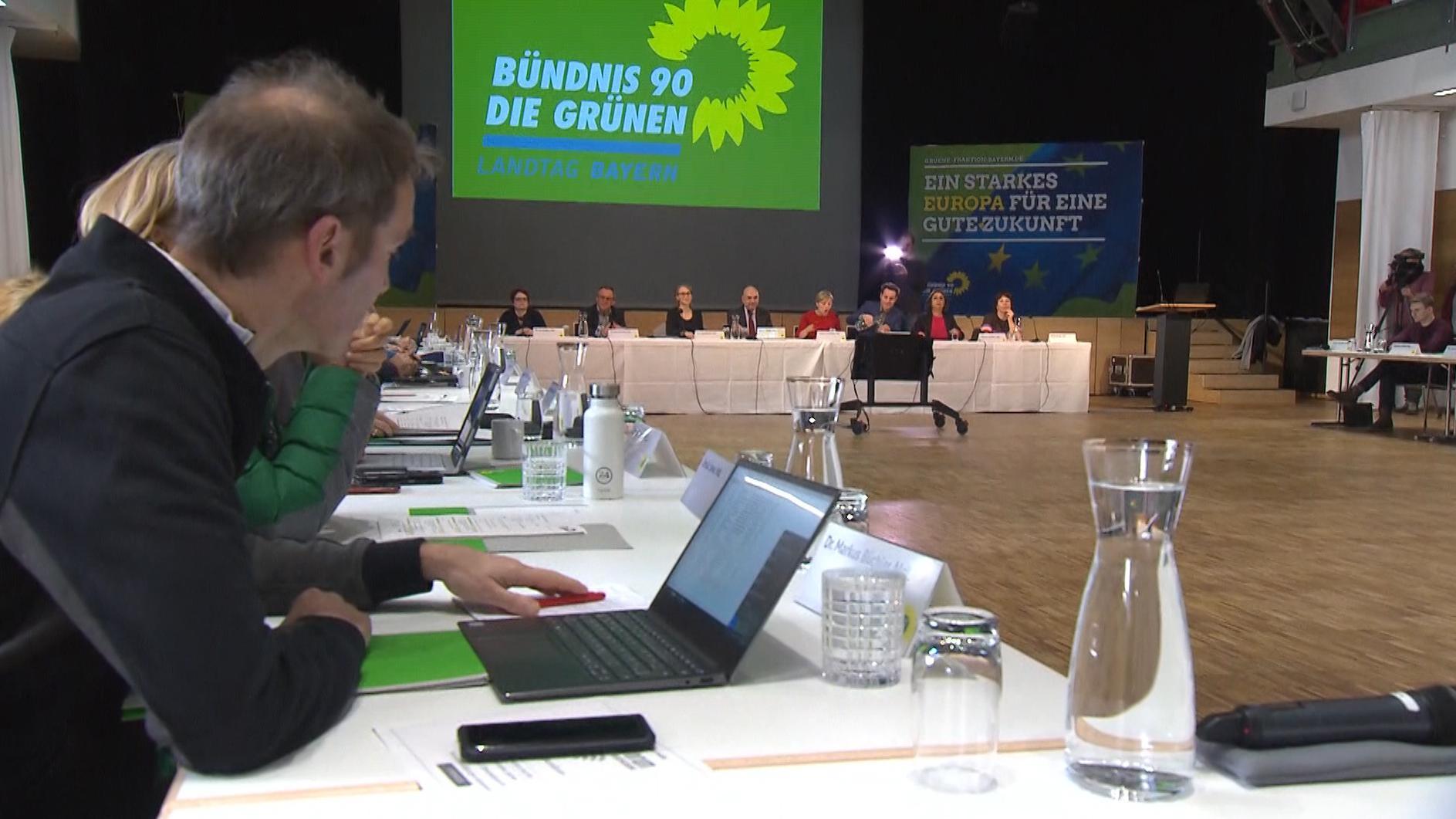 Drei Tage diskutiert die Grünen-Fraktion über die für sie wichtigsten Themen wie den Klimaschutz und wirft schon mal einen Blick auf die Europawahl im kommenden Mai.