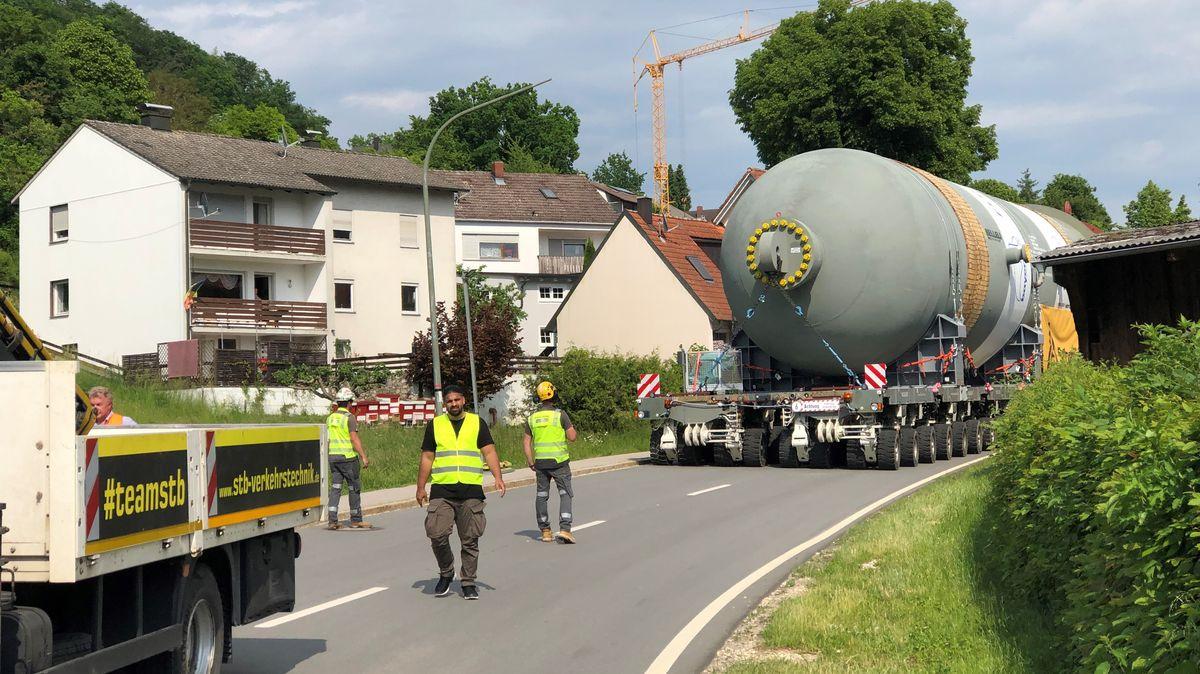 Der Konvoi unterwegs auf Niederbayerns Straßen