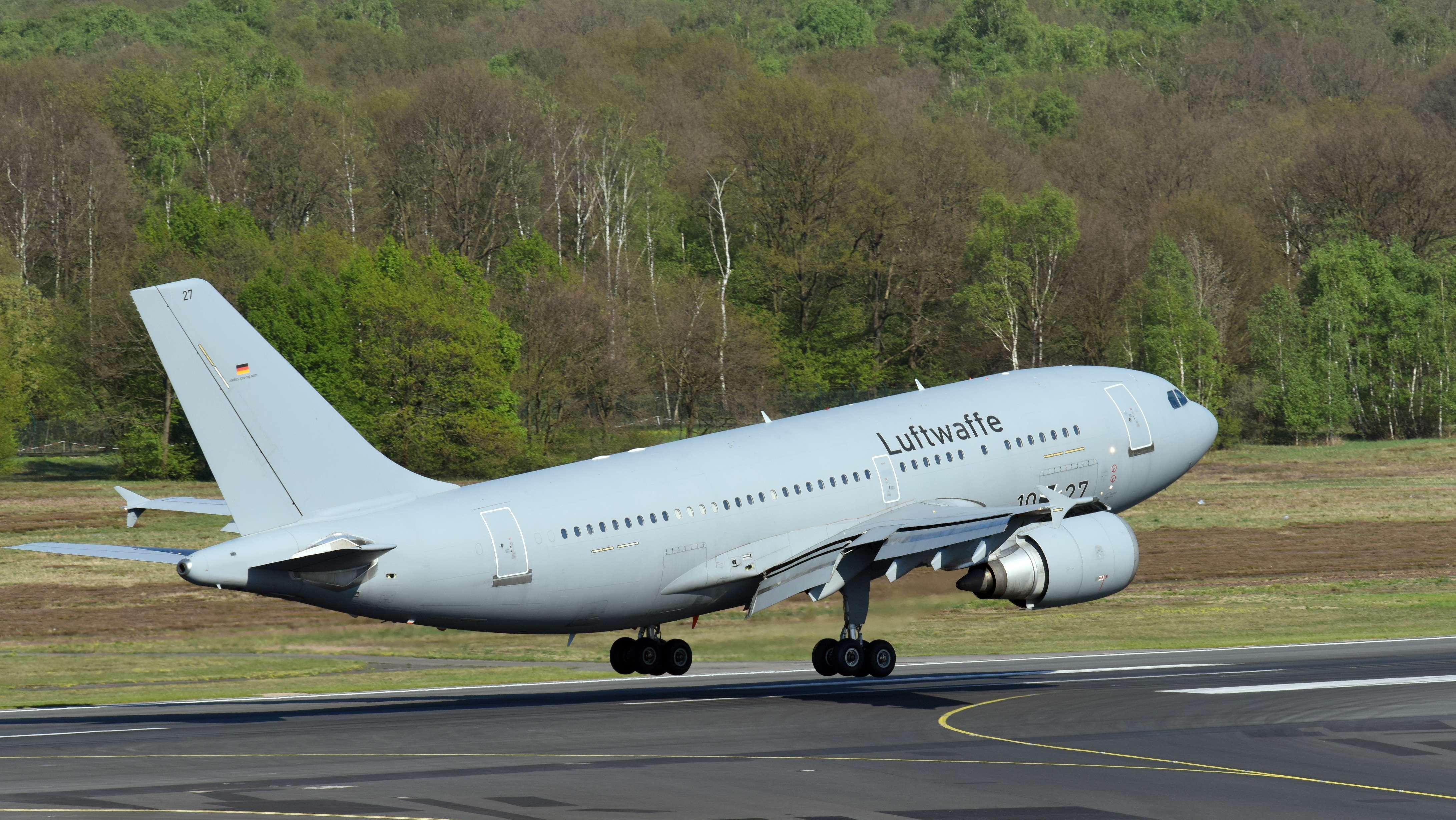 Maschine mit Verletzten aus Madeira landet in Köln