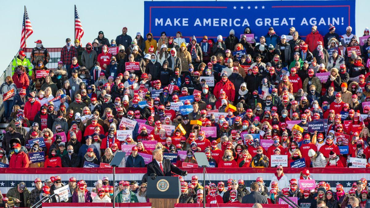 Abstand Fehlanzeige: Trump bei einer Wahlkampfveranstaltung am Freitag