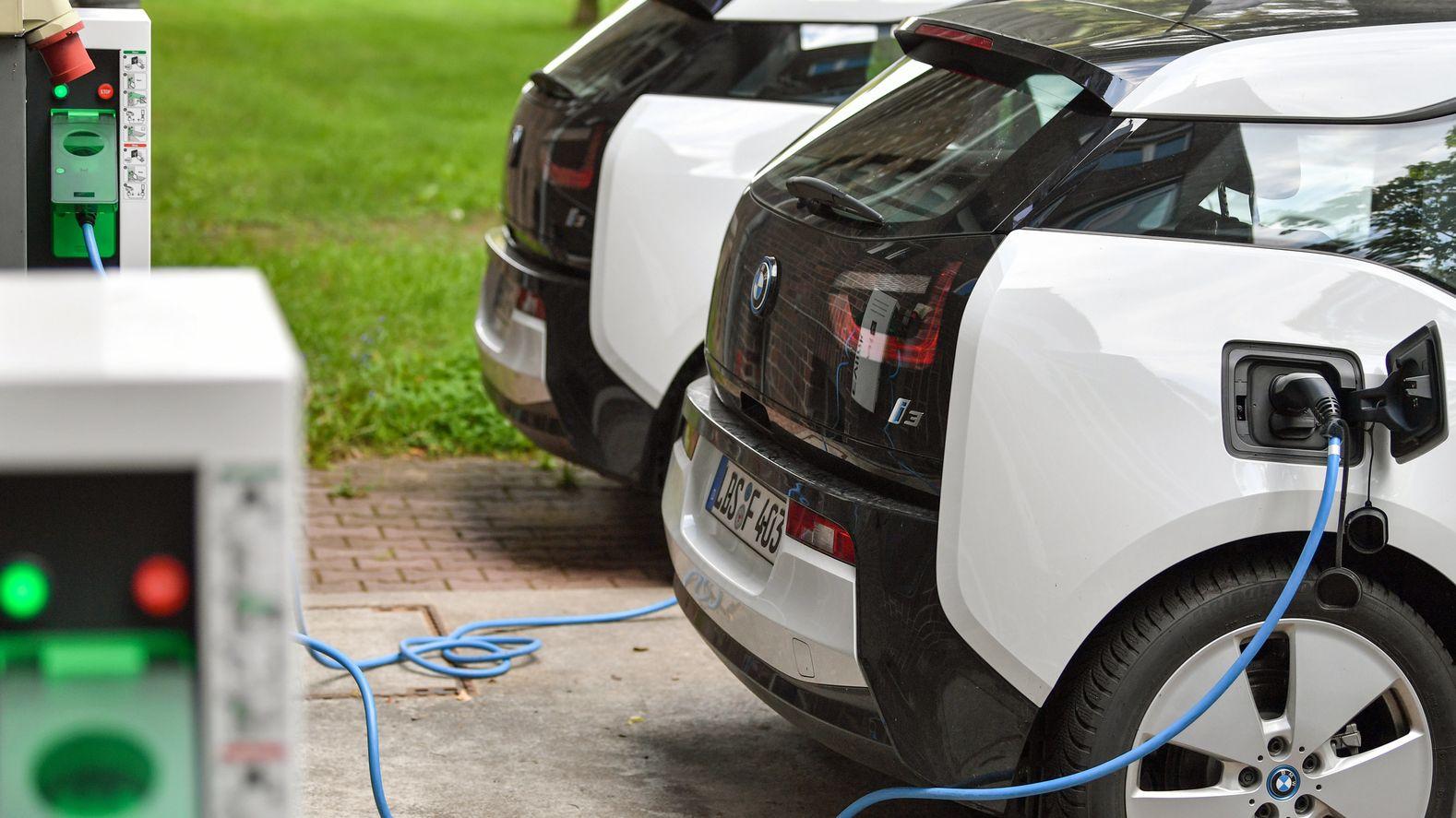 Mit dem i3 stieg BMW 2013 in den Bau von Elektroautos ein.