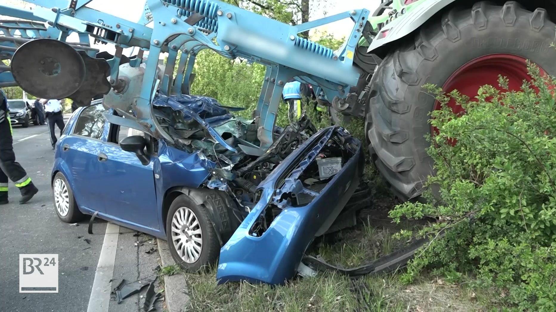 Zerstörter Unfallwagen