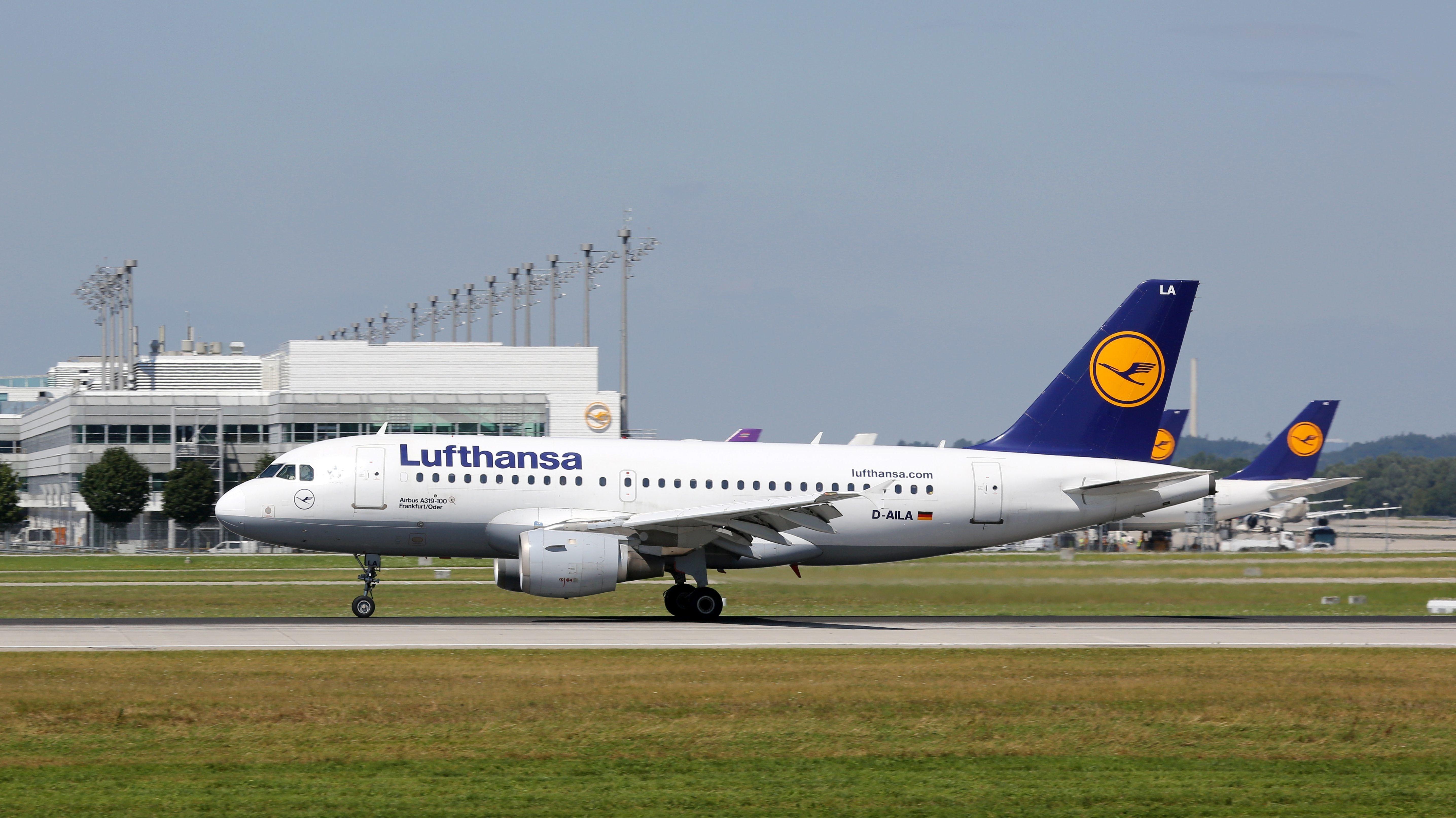 Lufthansa Airbus A319 Flugzeug Flughafen München
