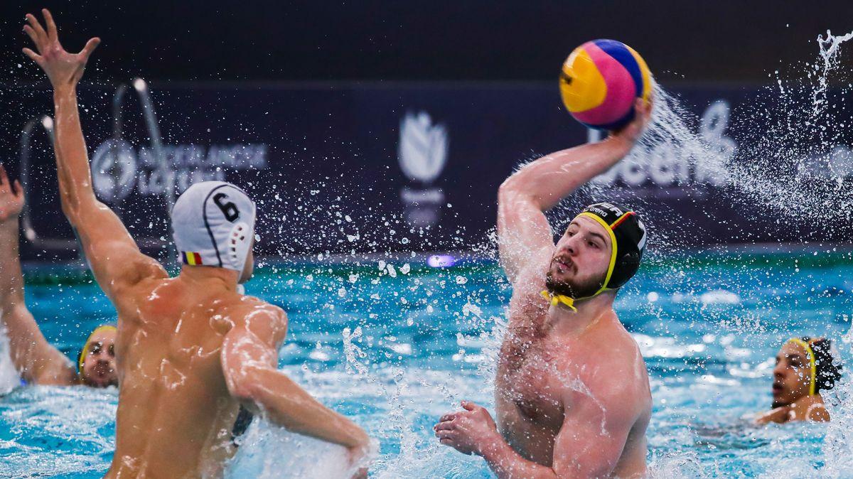 Wasserball-Qualiturnier: Denis Strelezkij vom deutschen Team in Aktion.