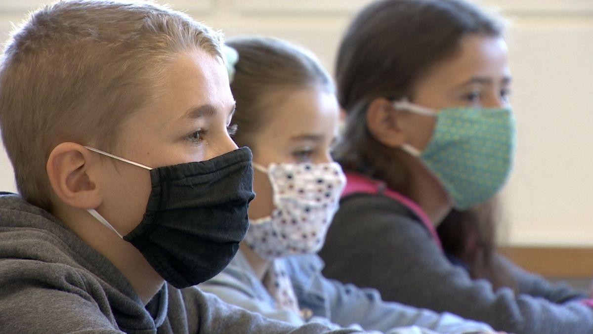 Maskenpflicht an Schulen und verschärfte Regeln für Feiern und andere Veranstaltungen
