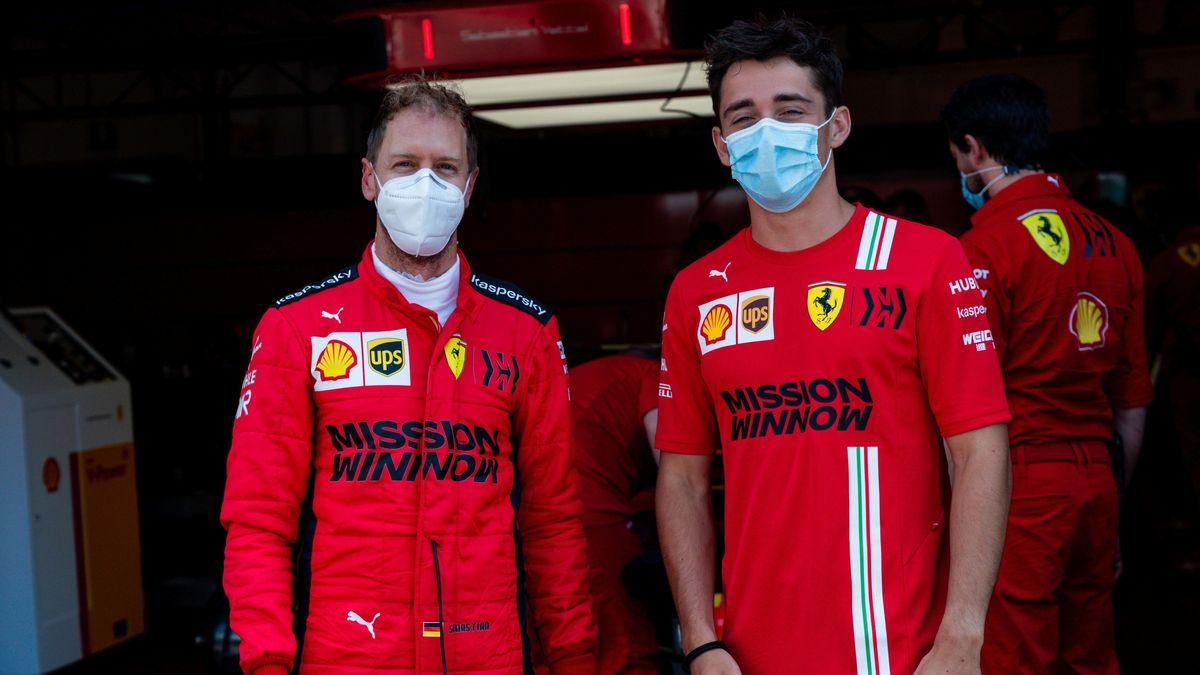Sebastian Vettel und sein Teamkollege Charles Leclerc mit Mundschutz.