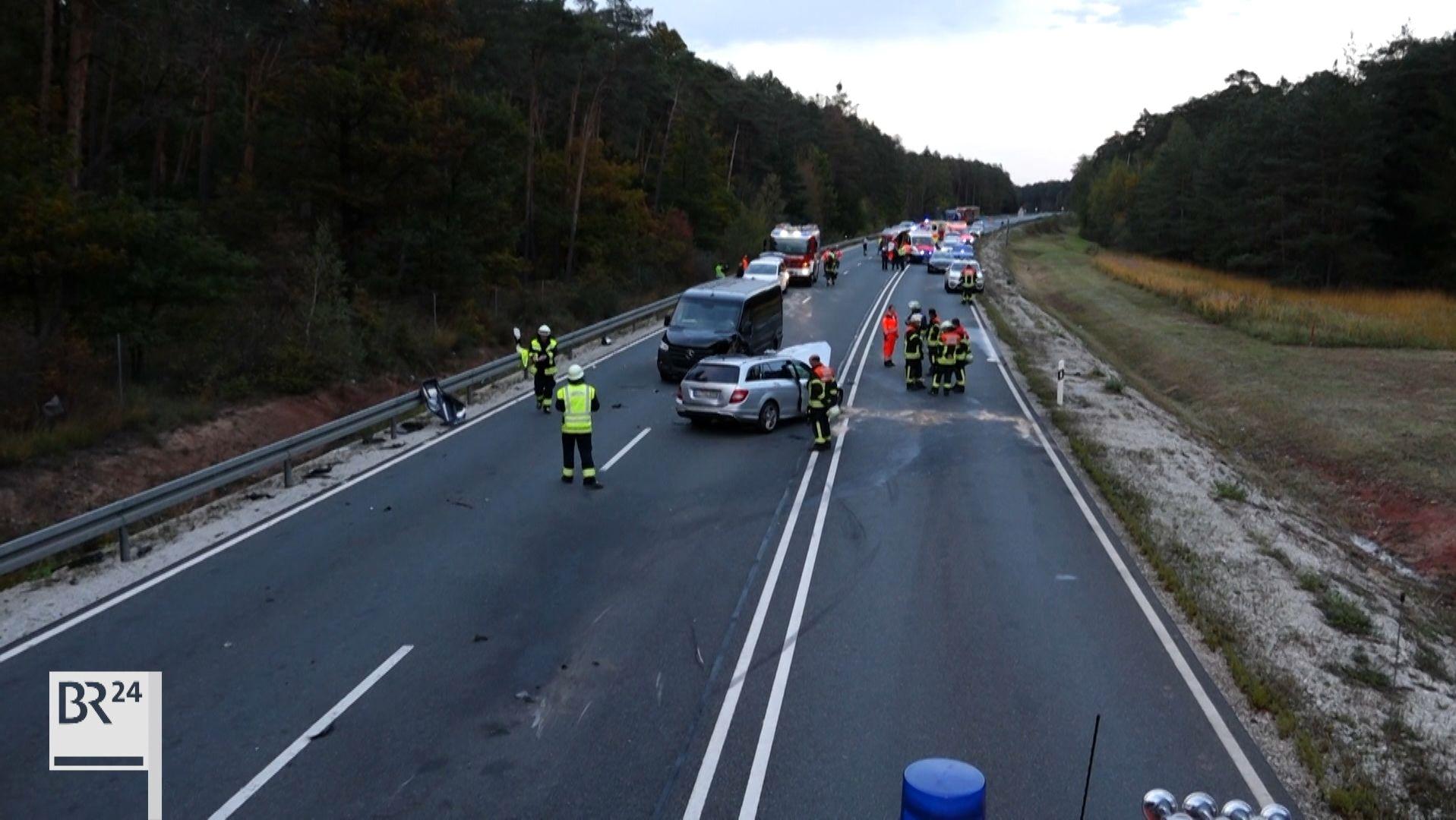 Zu dem schweren Unfall kam es durch ein riskantes Überholmanöver zwischen Hirschaid und Pommersfeldern.
