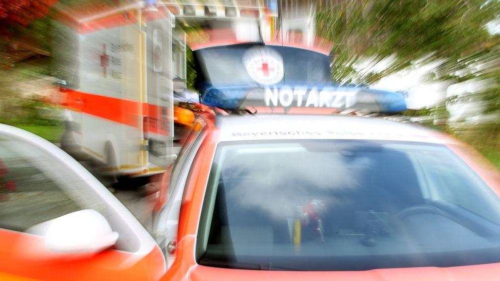 Notarzt im Einsatz (Symbolbild) | Bild:picture-alliance/dpa / Stephan Jansen