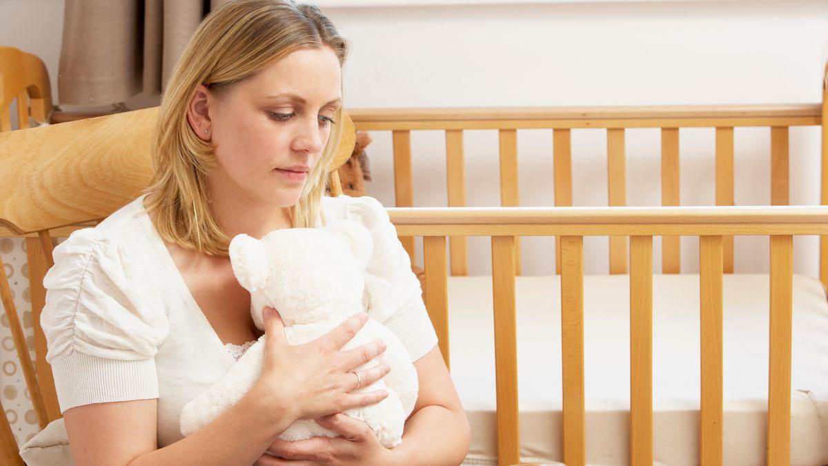 Bazı sosyal medya kullanıcılarına göre aşılanma, hamilelikte düşük yapma riskini yüzde 400 arttırıyor.