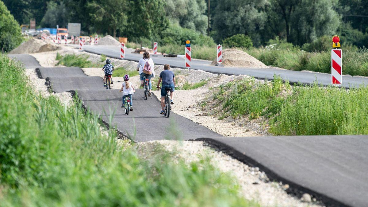 Fahrradfahrer der Gemeinde Kirchdorf im Landkreis Freising dürfen derzeit einen ganz besonderen Parcours ausprobieren