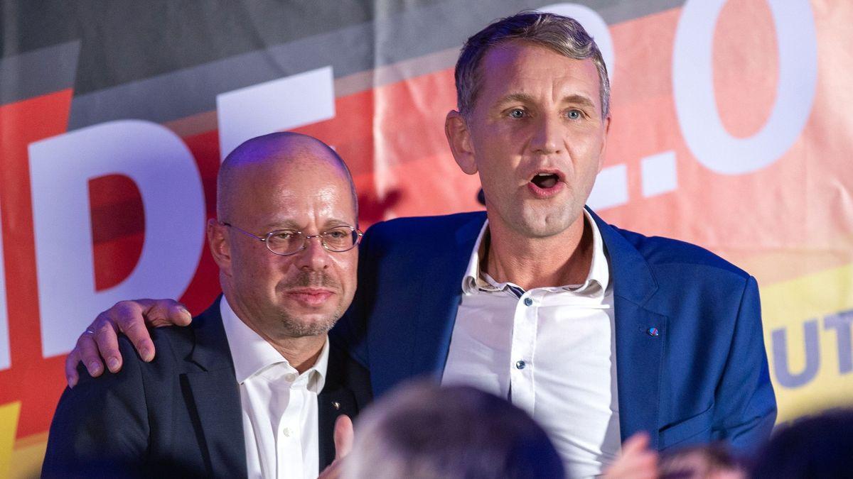 Andreas Kalbitz (rechts) und Björn Höcke galten als die rechtsnationalen Gesichter der AfD: Nun wurde Kalbitz ausgeschlossen.